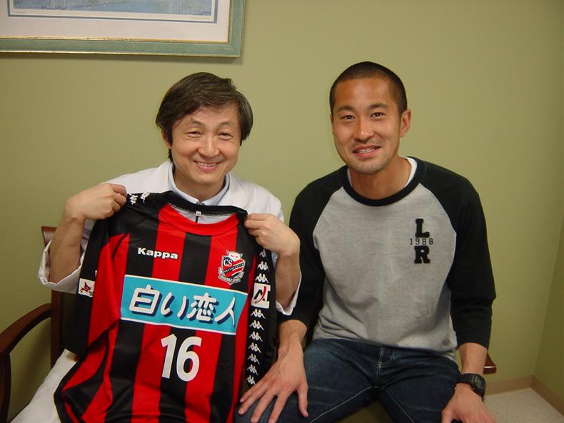 院長とプロサッカー選手